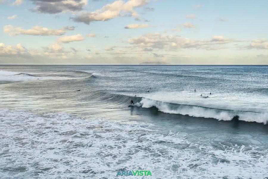 Session de surf en Corse